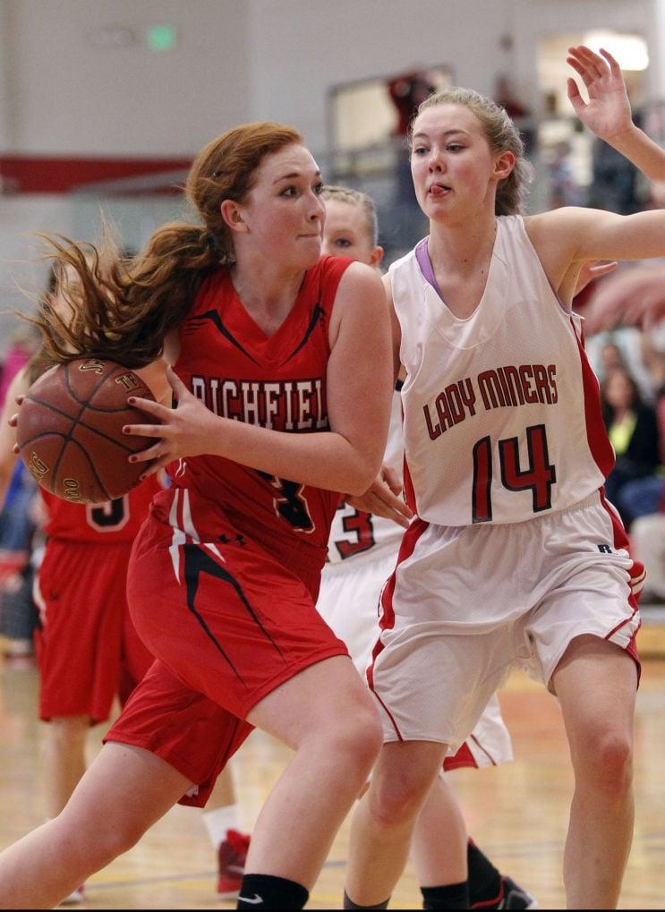 Richfield vs. Mackay Girls Basketball