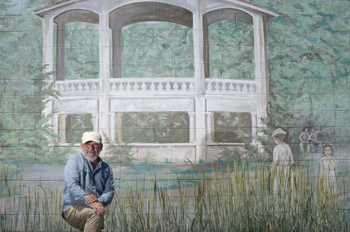 Art Hoag brings artists together