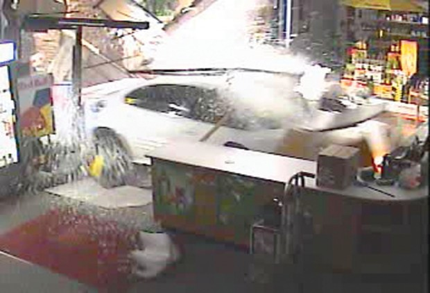 smashed burglars crash car into t f liquor store southern idaho local news. Black Bedroom Furniture Sets. Home Design Ideas