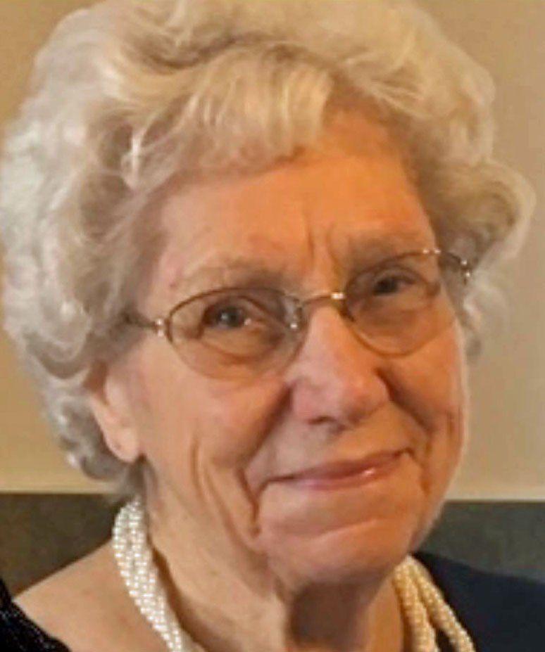 Obituary: Cleo (Warner) Richardson Poulton