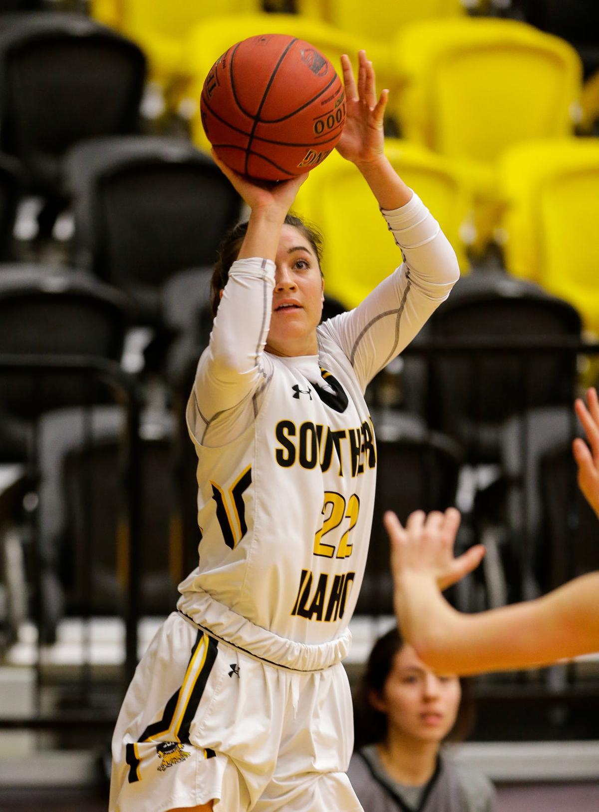 Women's basketball: CNCC at CSI