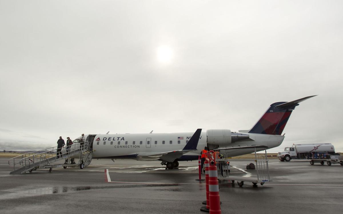 Delta Connection flight