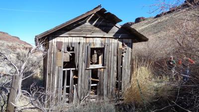 033015-twn-nws-owyhee-cabin.jpg