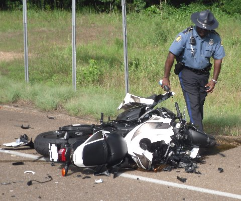 With video) Magnolia man dies in motorcycle-car collision at