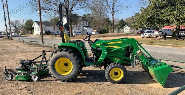 011020 Tractor 1.jpg