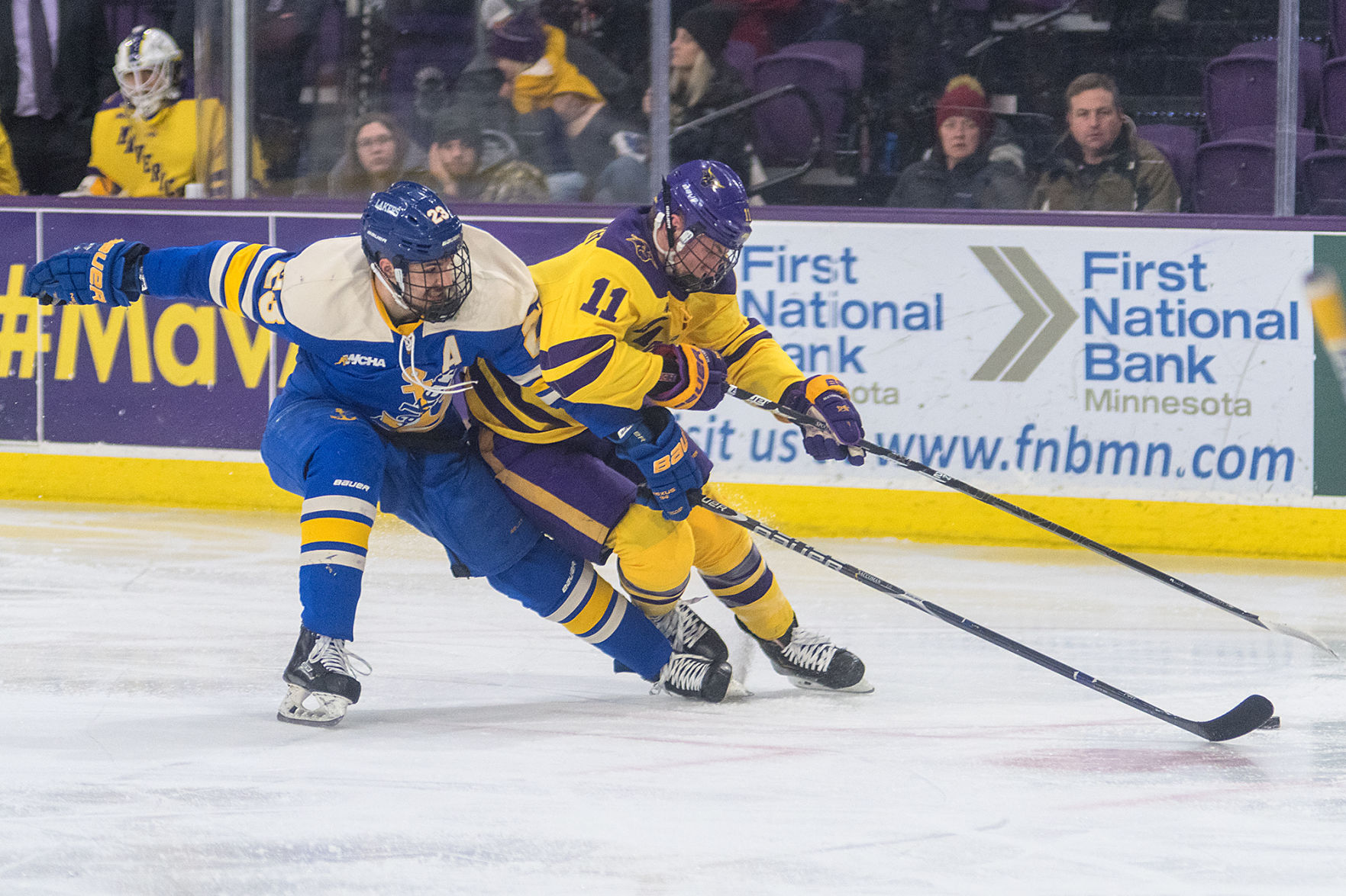WCHA.: No. 6 Mavericks Stay Perfect At Home, Defeat No. 18 Lakers