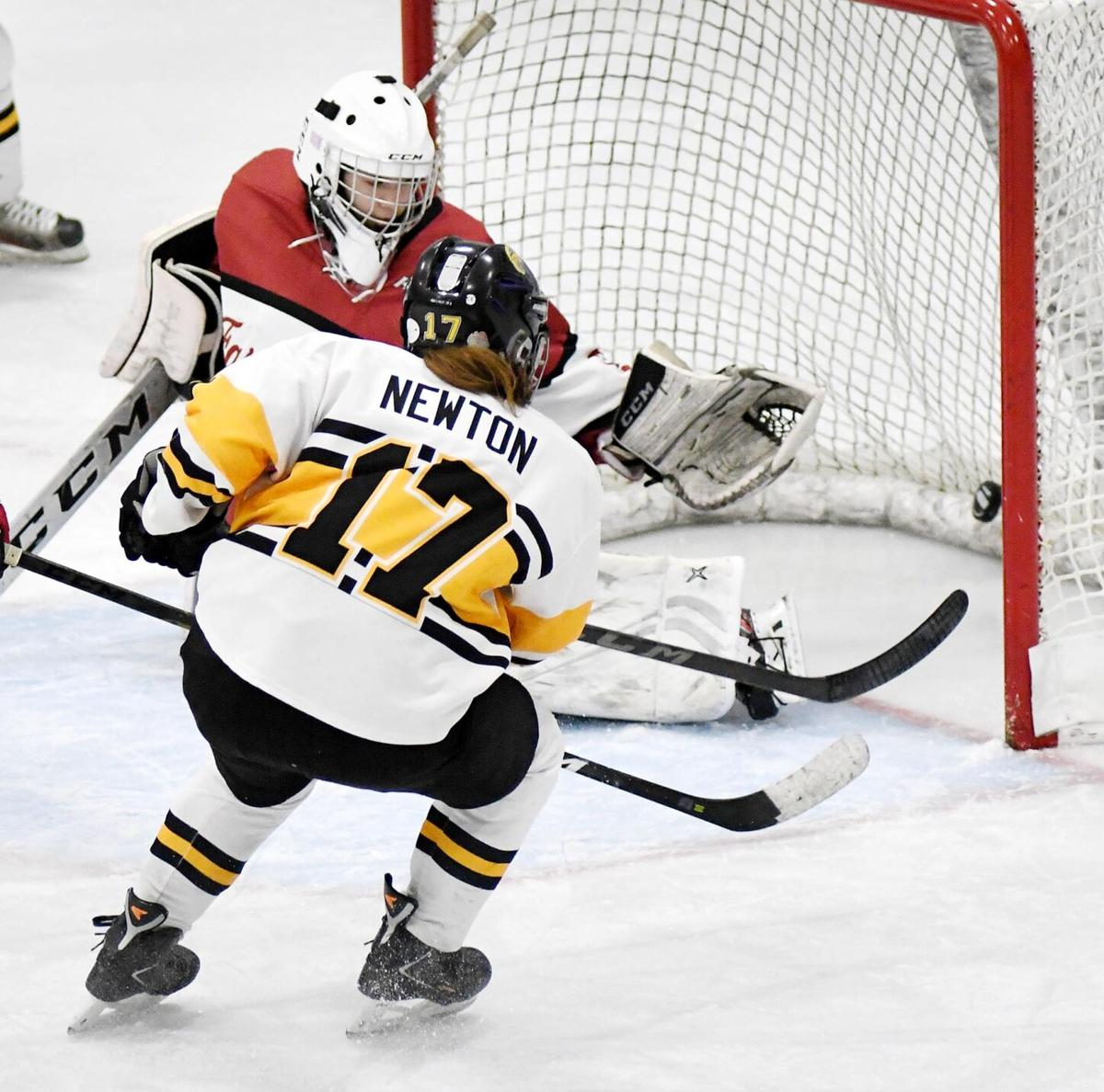 East/Loyola girls hockey vs. Fairmont2