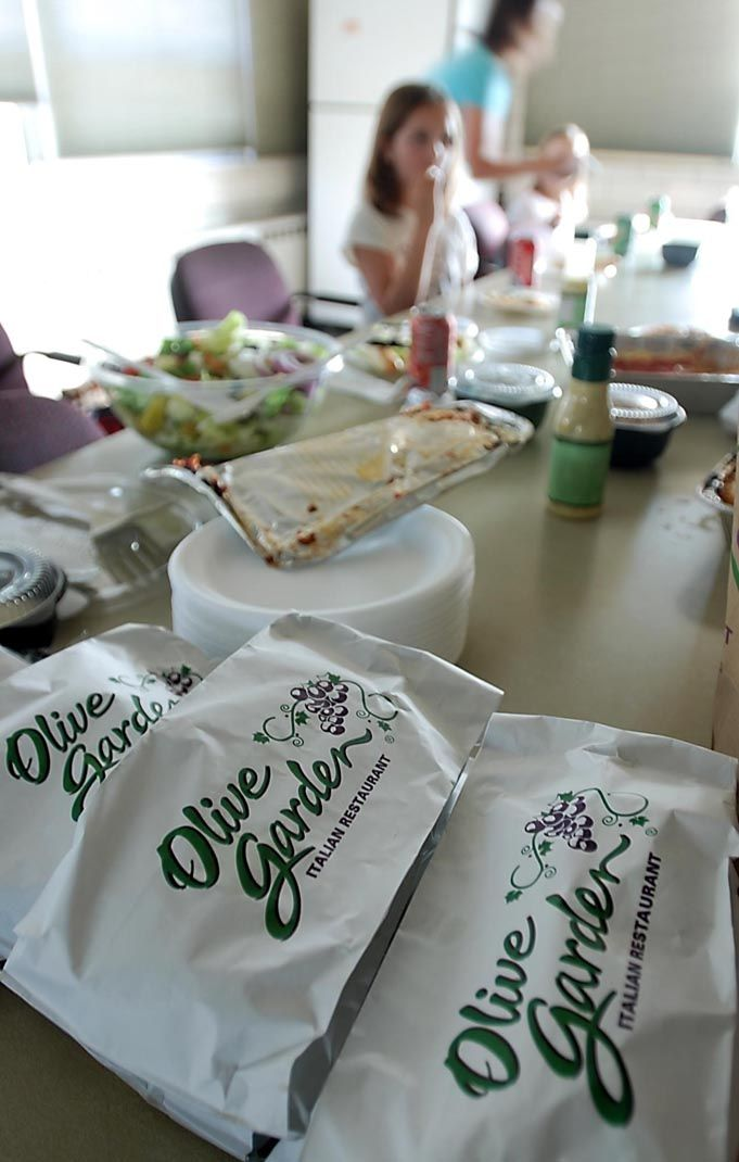 nationwide 647 olive garden restaurants delivered lunch or dinner to local public safety agencies on labor day the mankato olive garden delivered dinner - Olive Garden Mankato