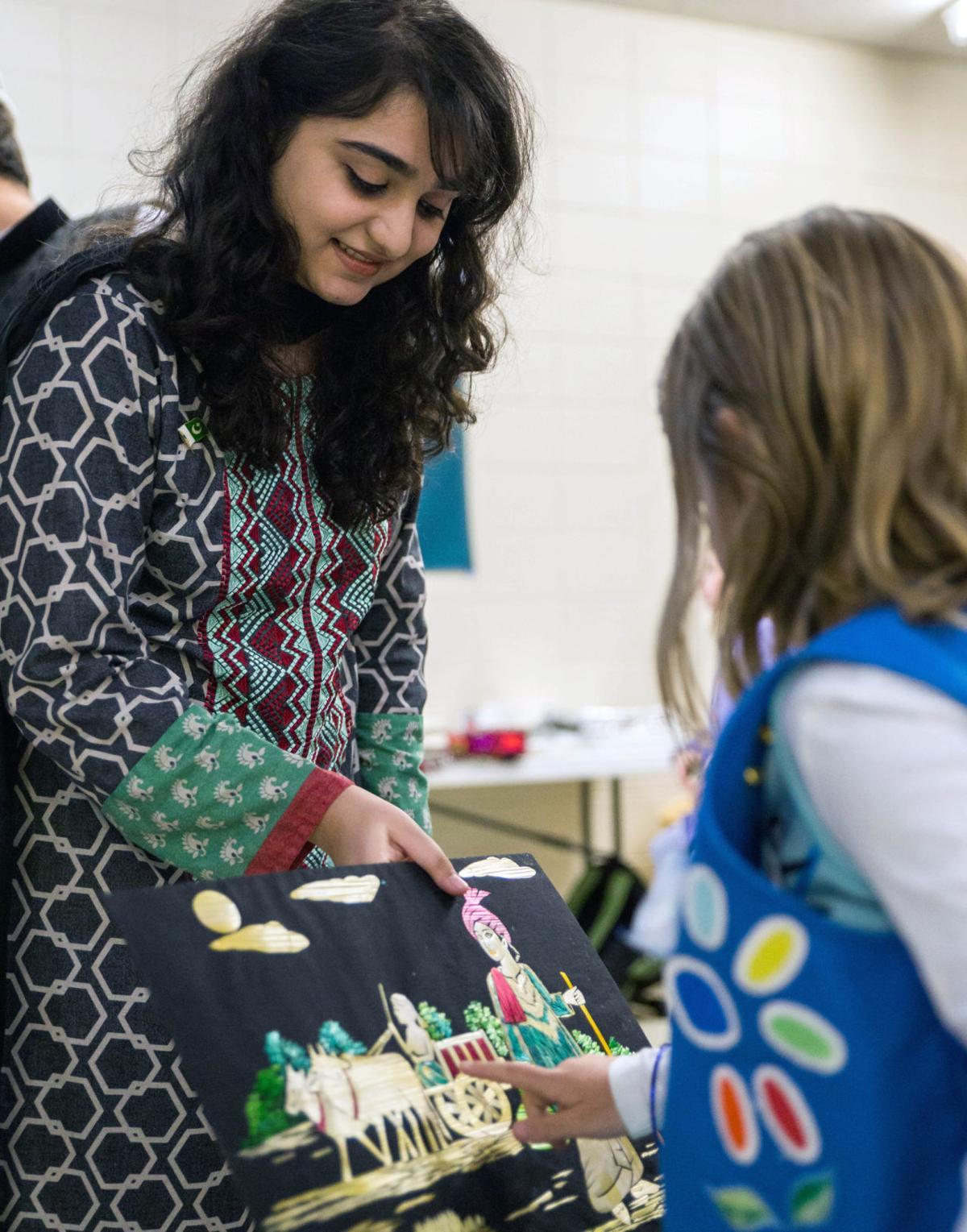 Girl Scouts learn about Pakistani art