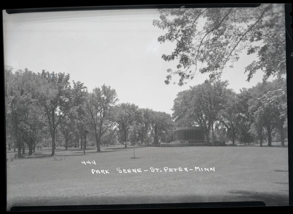 Minnesota Square Park bandshell