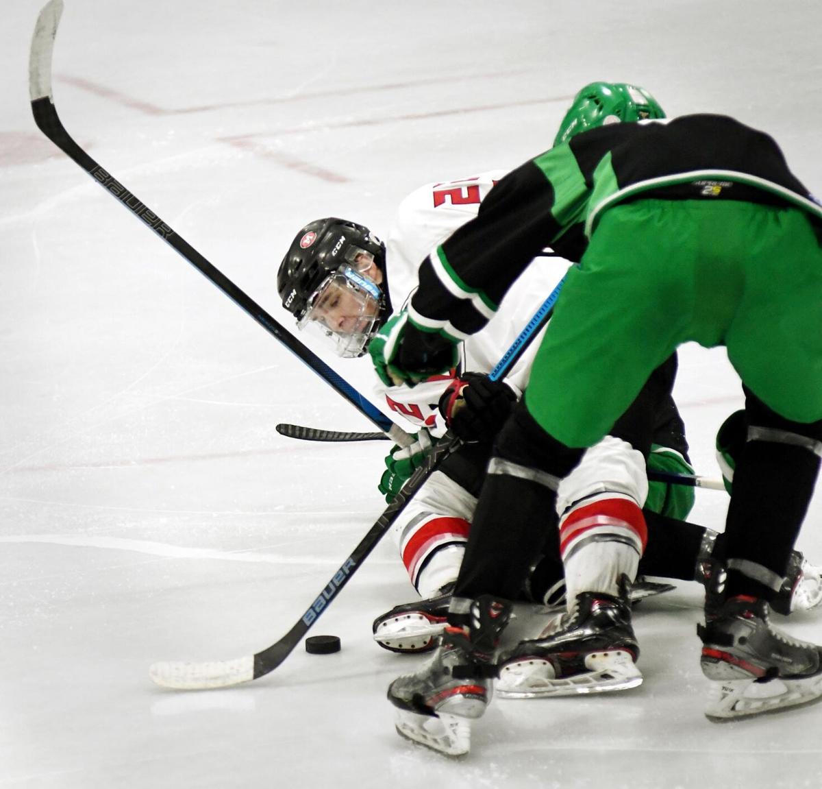 West vs La Crescent hockey 2