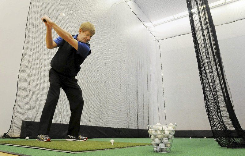 Golfers tee it up on 'Court Fore'