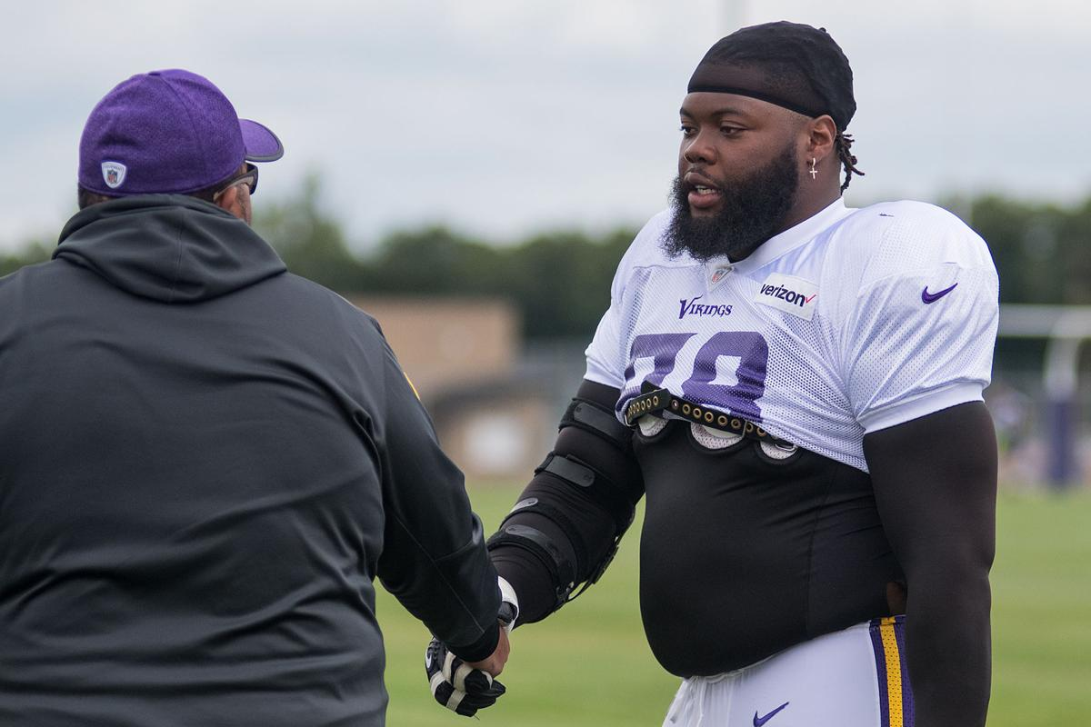 Vikings defensive line strives to be simply the best