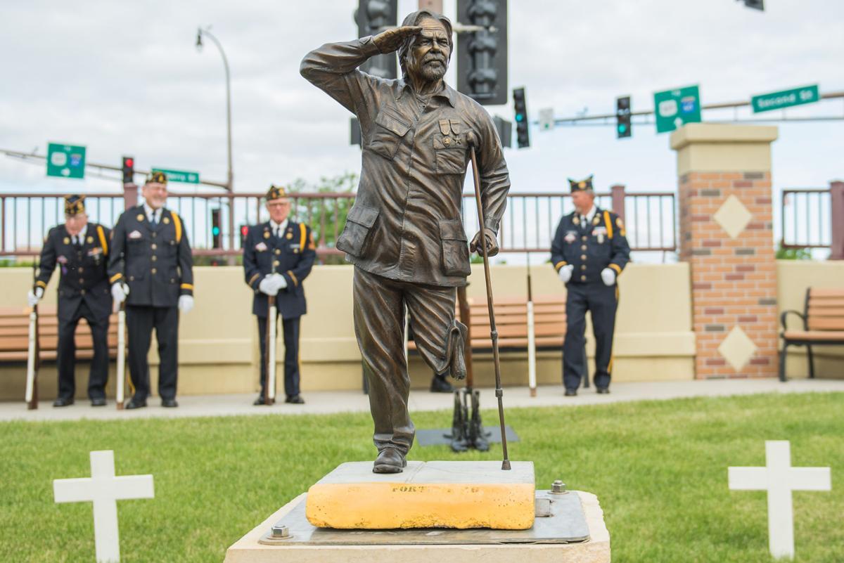 Veterans Memorial Statue 1