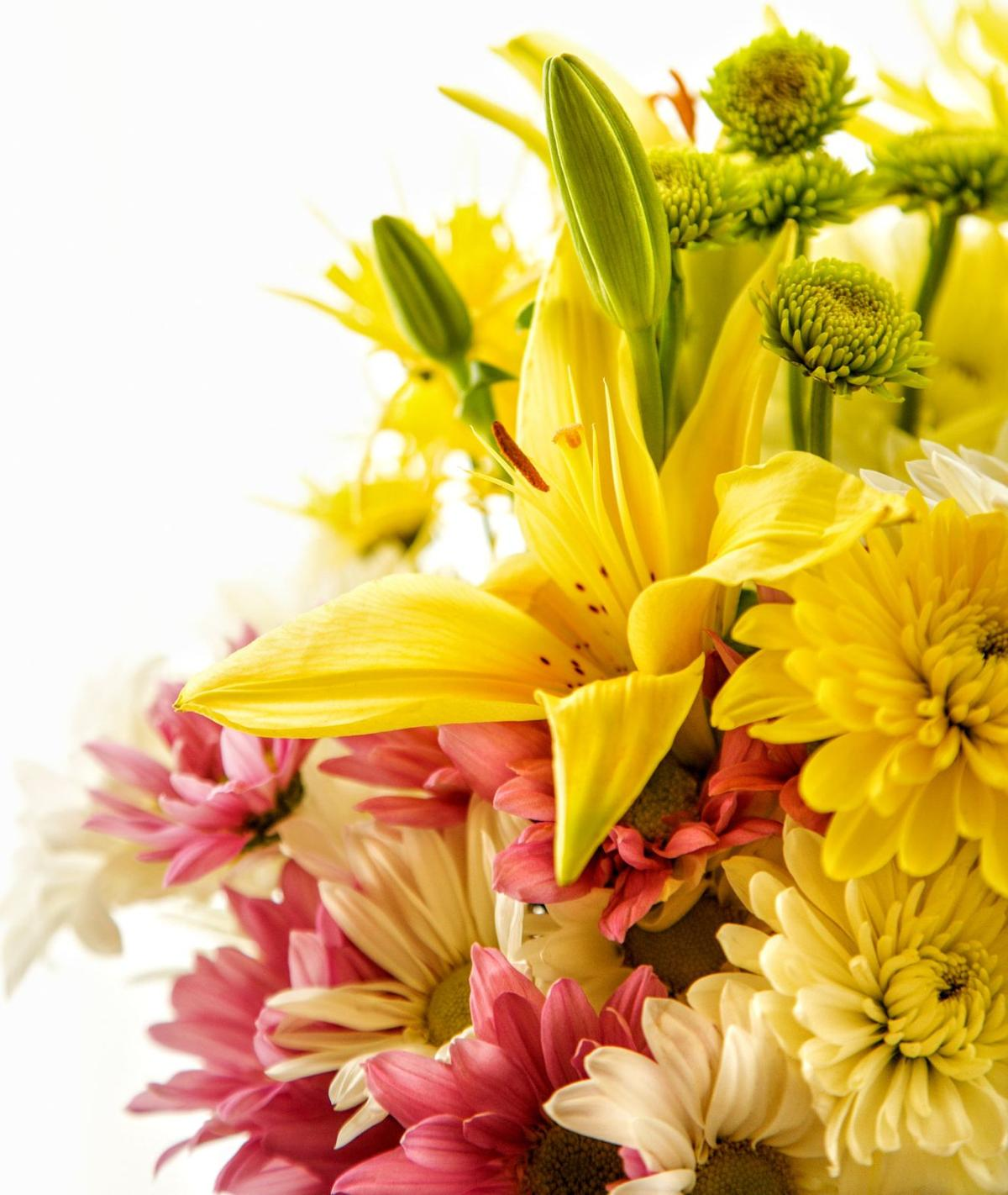 Now is the perfect time for summer flower bouquets lifestyles pretty flowers izmirmasajfo