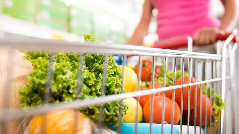Grocery store tour: Shopping the produce aisle | Healthyhabits