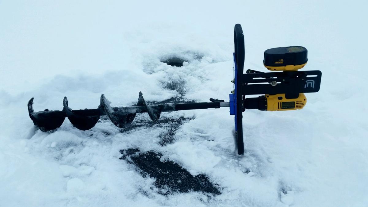 Outdoors ice fishing foto2