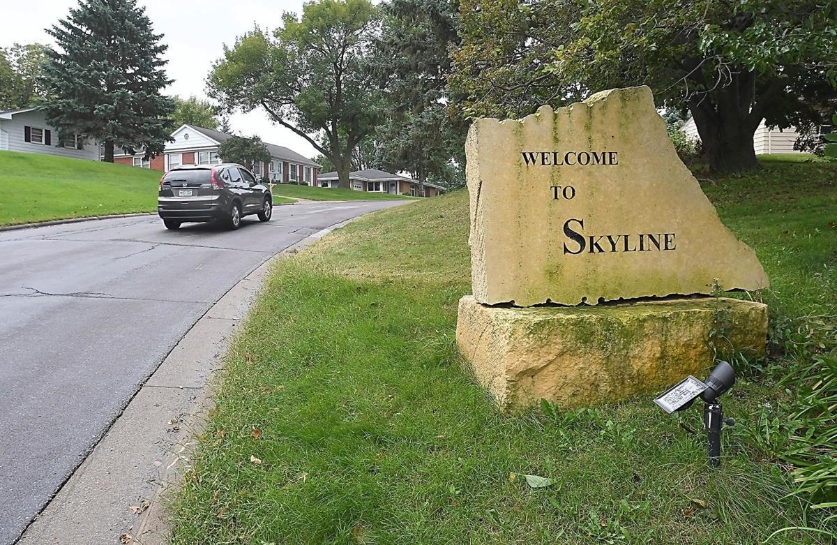 Skyline sign3