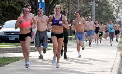 file-Nearly naked mile2012.jpg