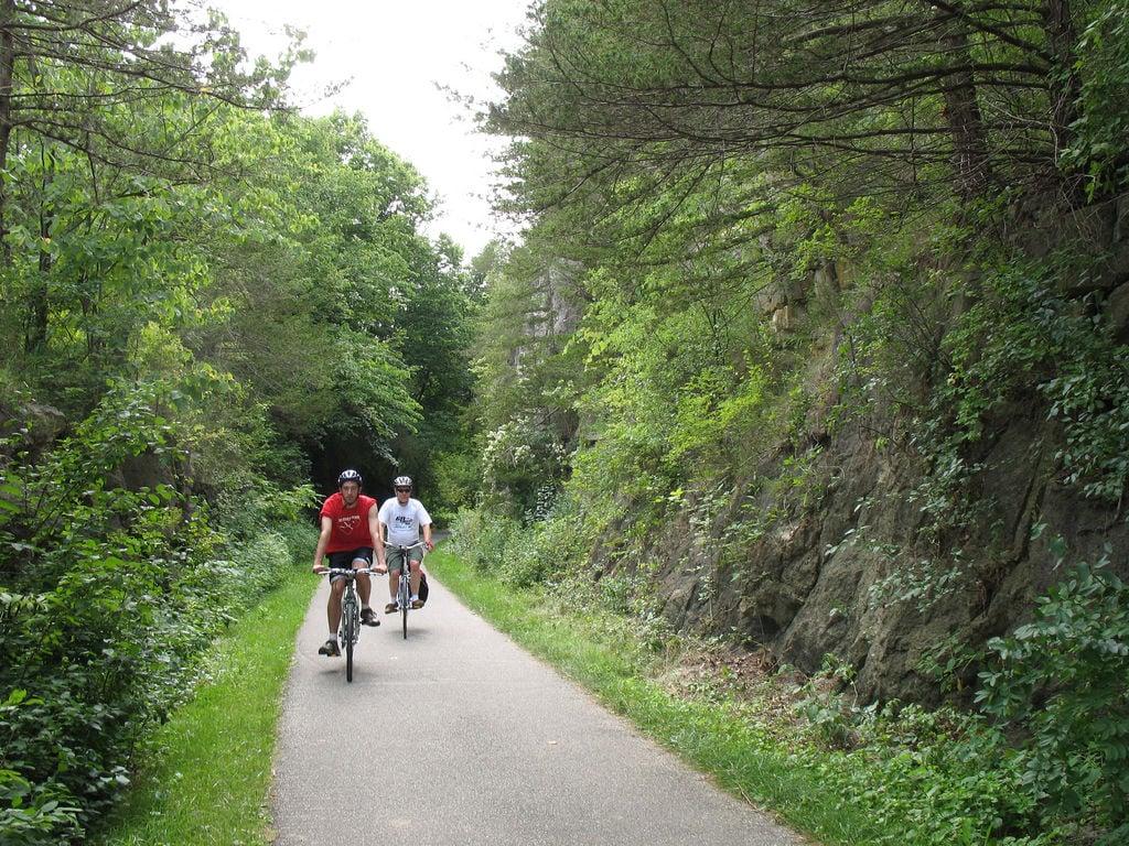 Root_River_Trail_near_Lanesboro.jpg