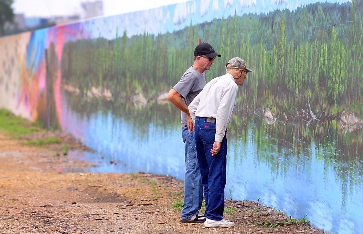 mankato flood wall mural dedicated local news mankatofreepress com flood wall mural dedication 1