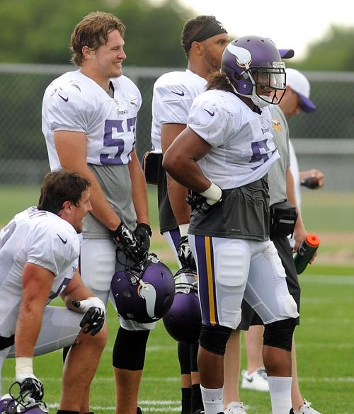 Vikings Linebackers Audie Cole And Eric Kendricks Vikings - Audie cole