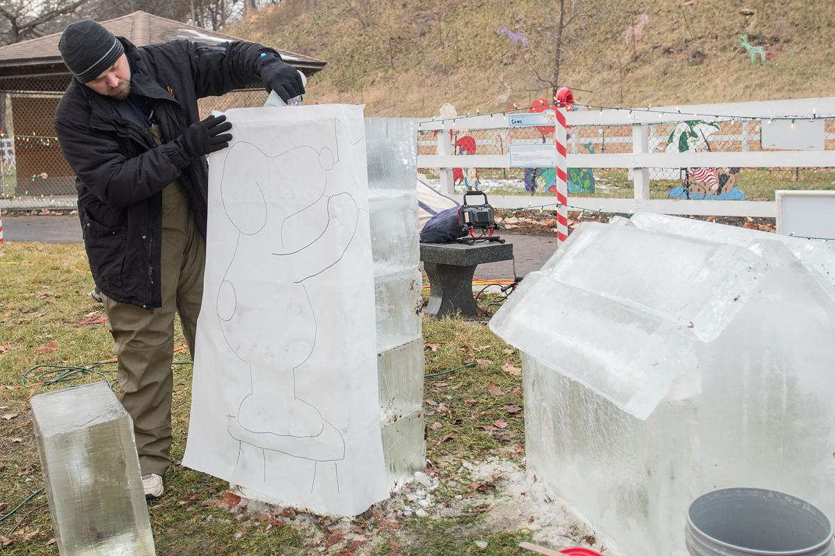 Snoopy wins wins people\'s choice ice sculpture at Kiwanis Holiday ...