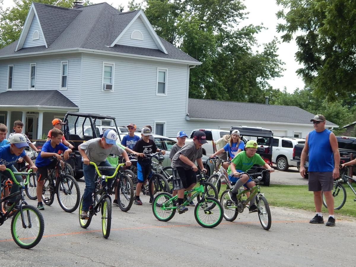 boy bikers head out.JPG
