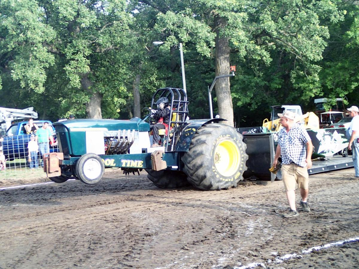 Kiwanis tractor pull salutes departed friend | Agriculture