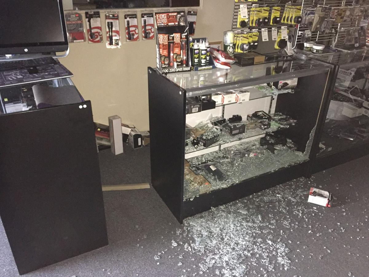 Restaurants Open On Christmas Day 2020 Mcalester McAlester gun shop robbed on Christmas Day | Gallery