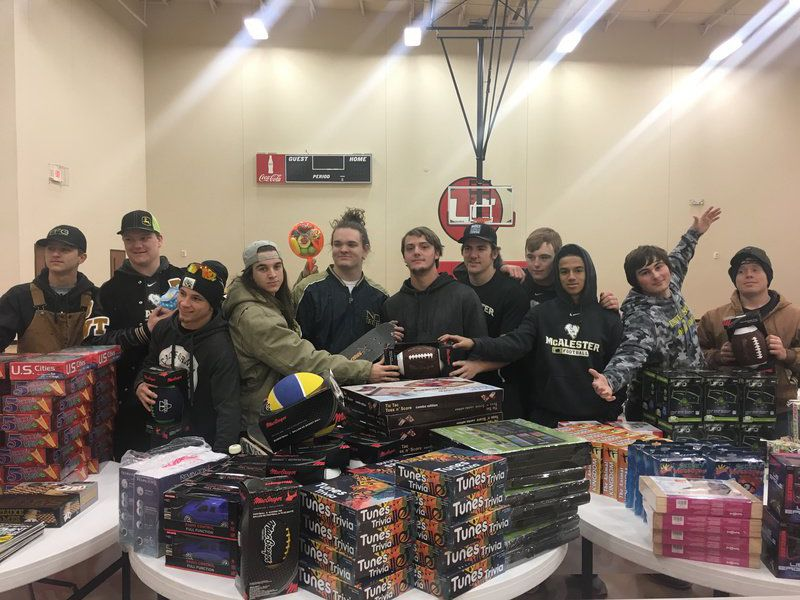 Toys For Tots Volunteer : Buffs volunteer at toys for tots sports mcalesternews