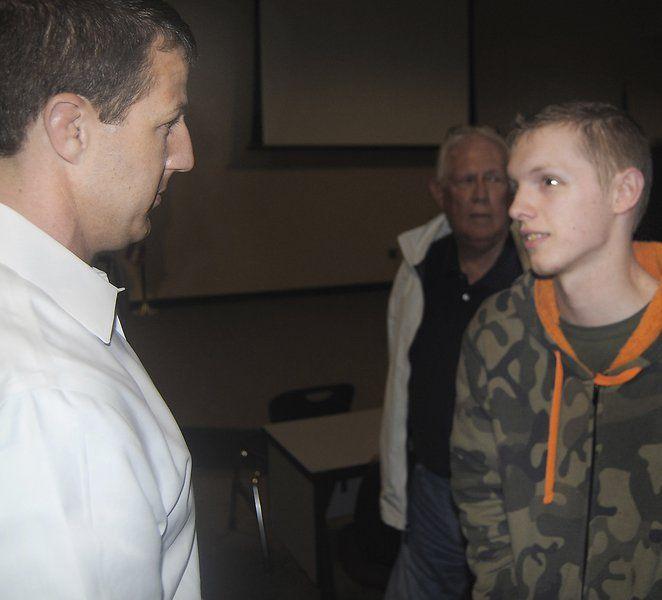 Mullin advises MHS students: set goals and vote