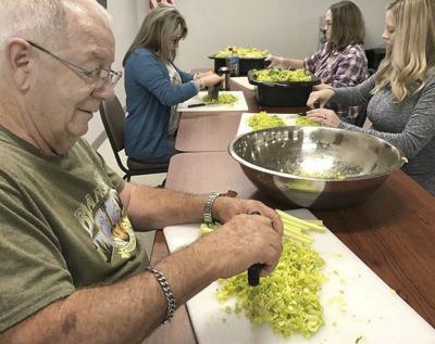 Community Thanksgiving Dinner calls start Tuesday
