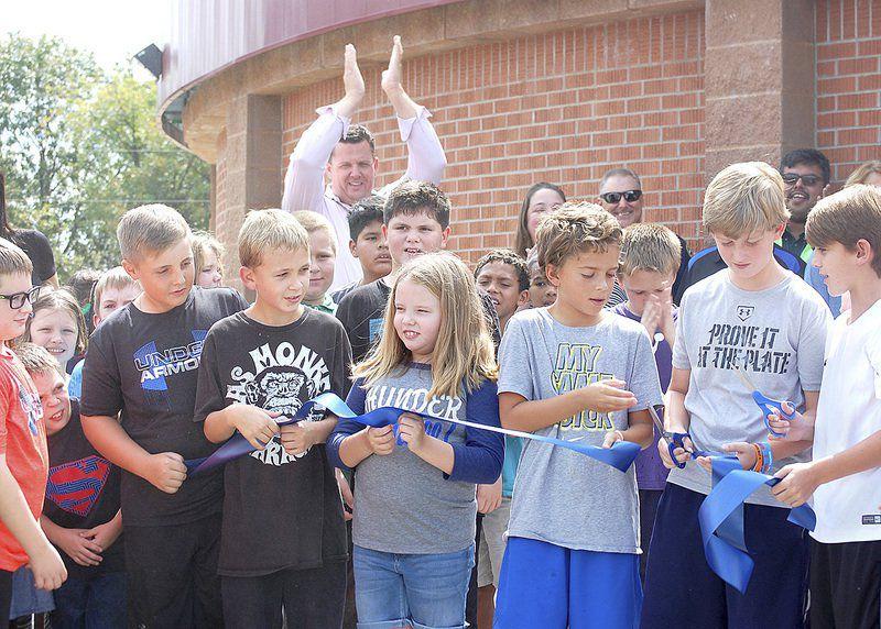 Hartshorne opens elementary shelter, library, media center
