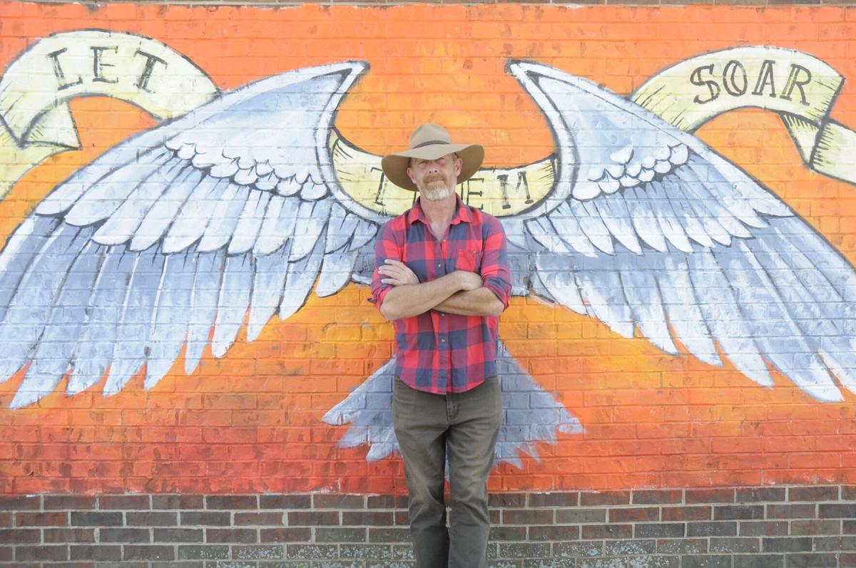 Australian artist completes new murals in Warrenton