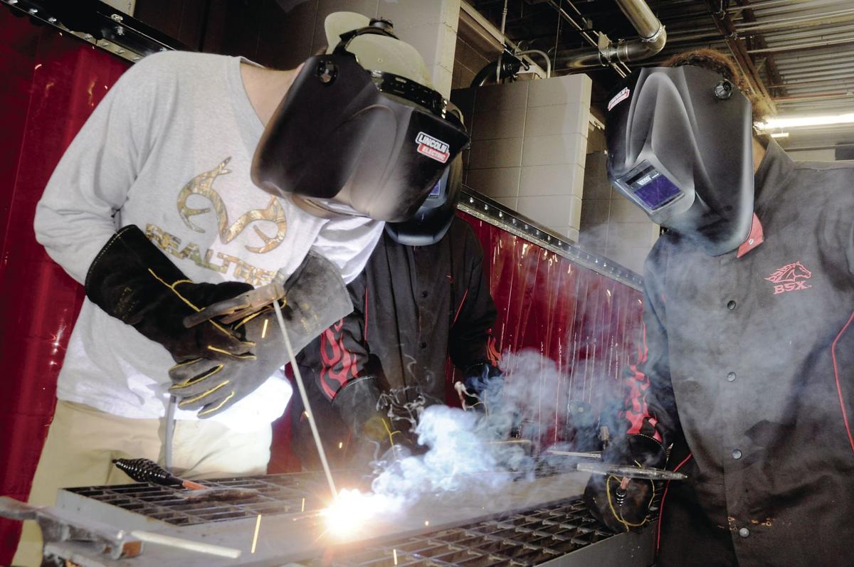 Ribbon cut on new THS welding lab