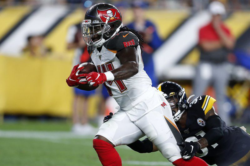NFL: Dobbs, Rudolph lead Steelers to 30-28 win against Bucs