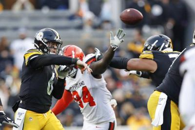 NFL: Steelers sticking with Hodges at QB