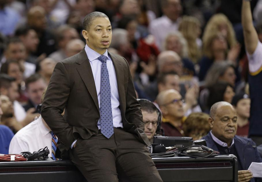 3ab87e65196 Cavaliers coach Lue upset by distractions