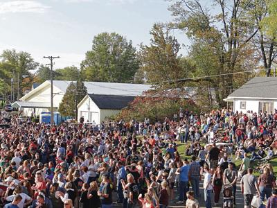 Pumpkin Fest crowd