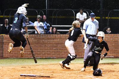 Dark throws no-hitter with 16 strikeouts as Eagles move into second round