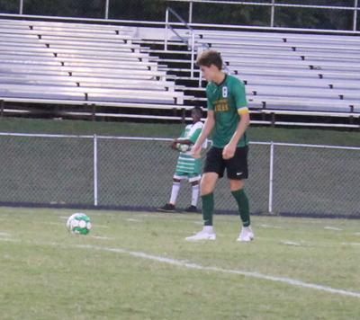 4-4 Eagles looking to make midseason run in men's soccer