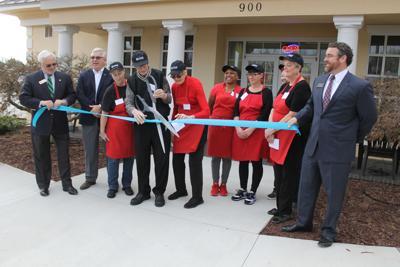 New restaurant opens along Fifth Street/Mebane Oaks Road