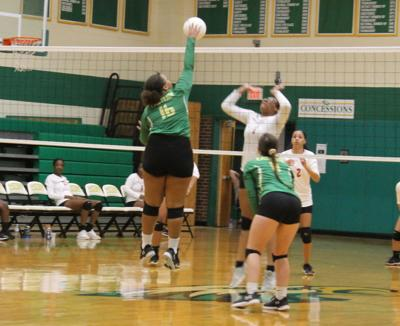 EAHS sweeps Graham for first volleyball triumph