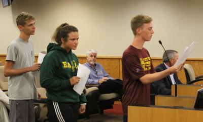Eastern students read proclamation at City Council meeting