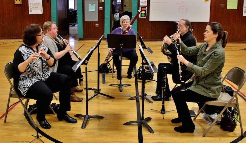 Urban Troubadour Presents Workshop at Garfield School