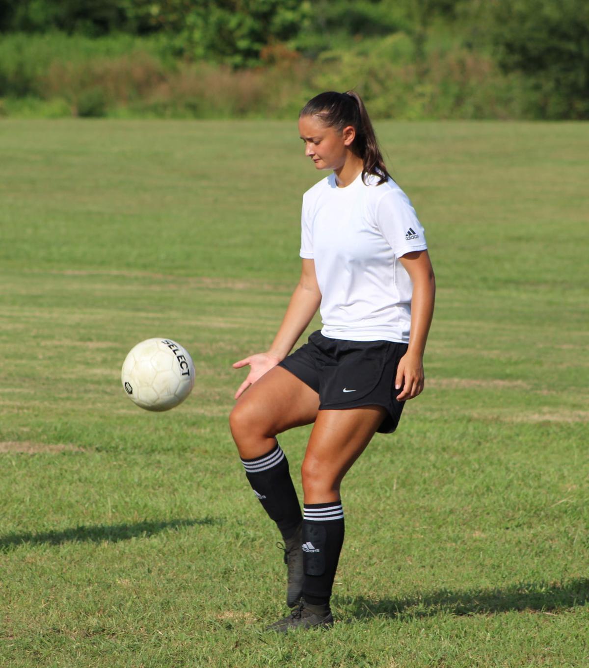 Bucks Soccer Sweeps Lyon College