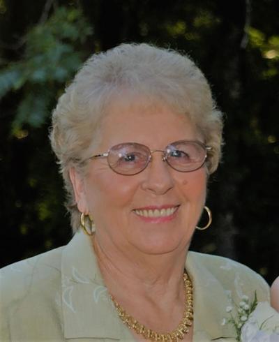 Aline Brown