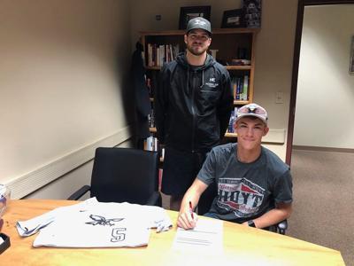Stidman signs with Nighthawks