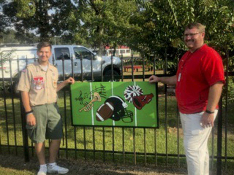 NEIGHBORS: Junkins completes Eagle Service Project at West Lauderdale